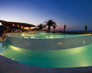 http://images.youtravel.com/photos/4571/pool6.jpg