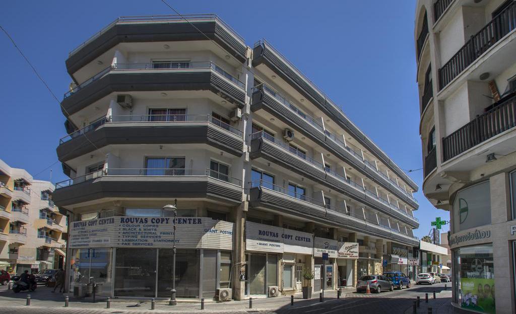 Petrou Aparthotel